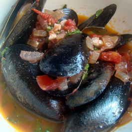 Mussels in Red Wine Sauce