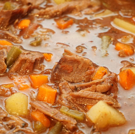 Slow Cooker Beef and Veggie Soup