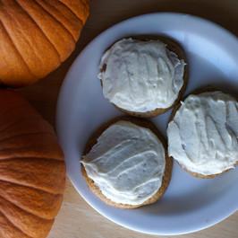 Frosted Einkorn Pumpkin Spice Cookies