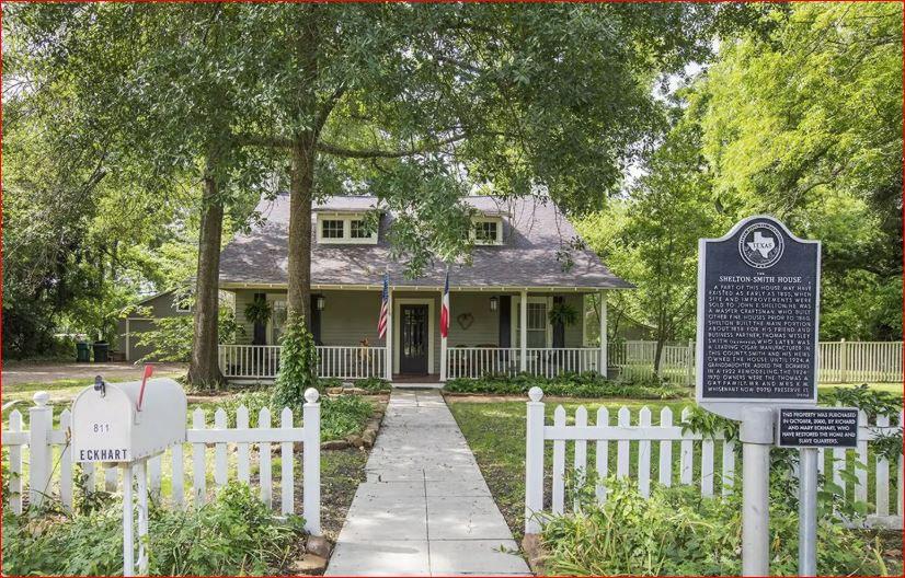 The Caroline House Front.JPG