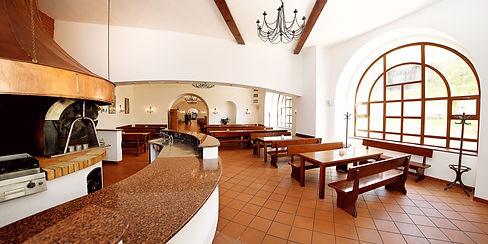 beerhouse2_Fotor.jpg
