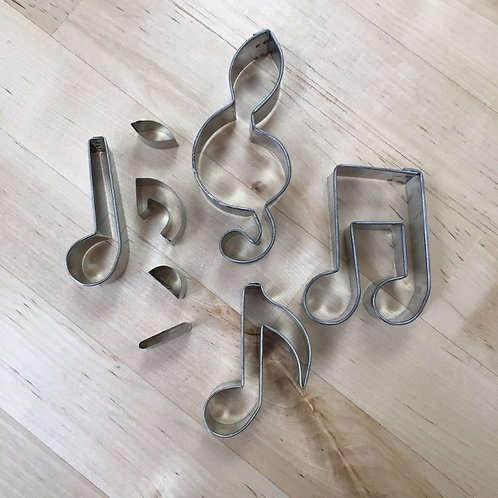 Mini cookie cutter musical notes