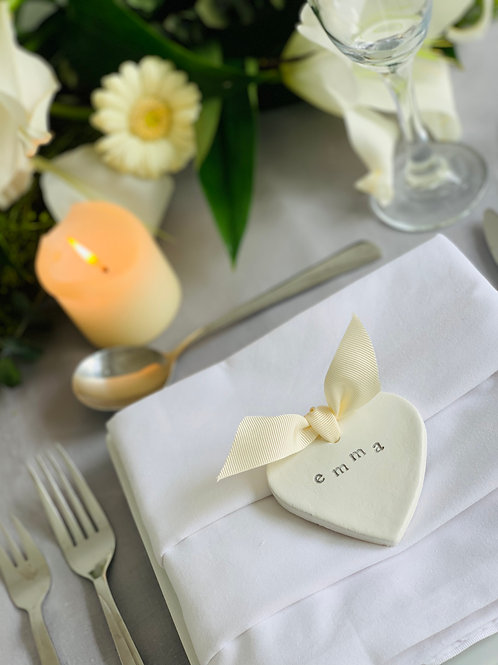 Set of 10 heart place name setting