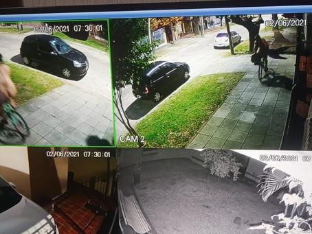 """Desopilante: se iba a laburar 7:30am y se cruzó con un hombre """"en bolas"""" que andaba en bicicleta"""