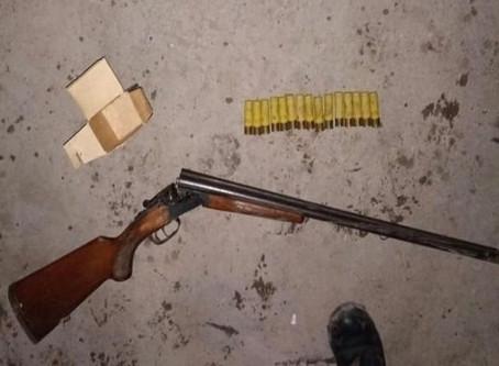 La Plata: detuvieron a bestia que golpeó a su pareja y se atrincheró con una escopeta