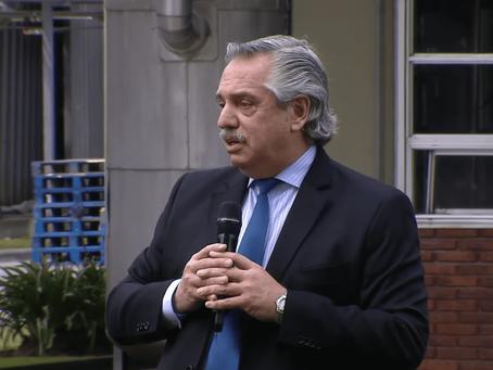 """Fernández: """"Los problemas se resuelven frontalmente y no escondidos en patrulleros, tocando sirenas"""""""