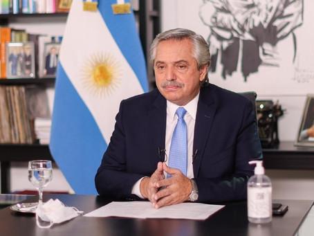 Fernández anunció que se pagarán 15 mil pesos a los beneficiarios de asignaciones y monotributistas