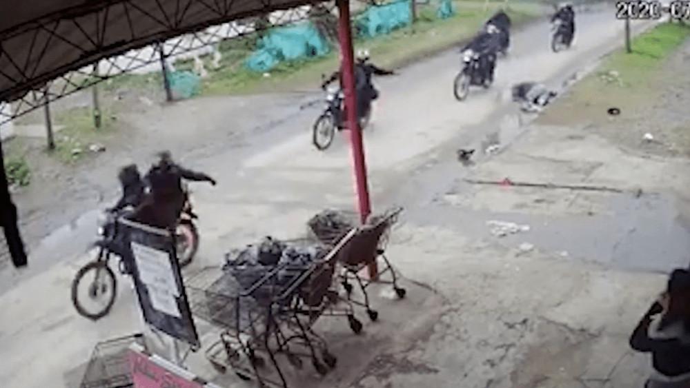 Imágenes sensibles: hombre fue atropellado por ladrones mientras eran perseguidos