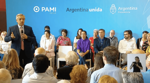 Alberto Fernandez en Quilmes con Mayra Mendoza PAMI