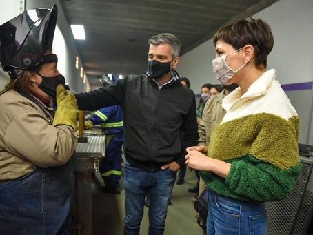 Mayra visitó los talleres de oficios del potenciar trabajo junto con el ministro Juan Zabaleta