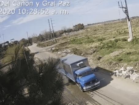 Cinematográfica persecución en Moreno: robaron camión de carne y se tirotearon con la policía