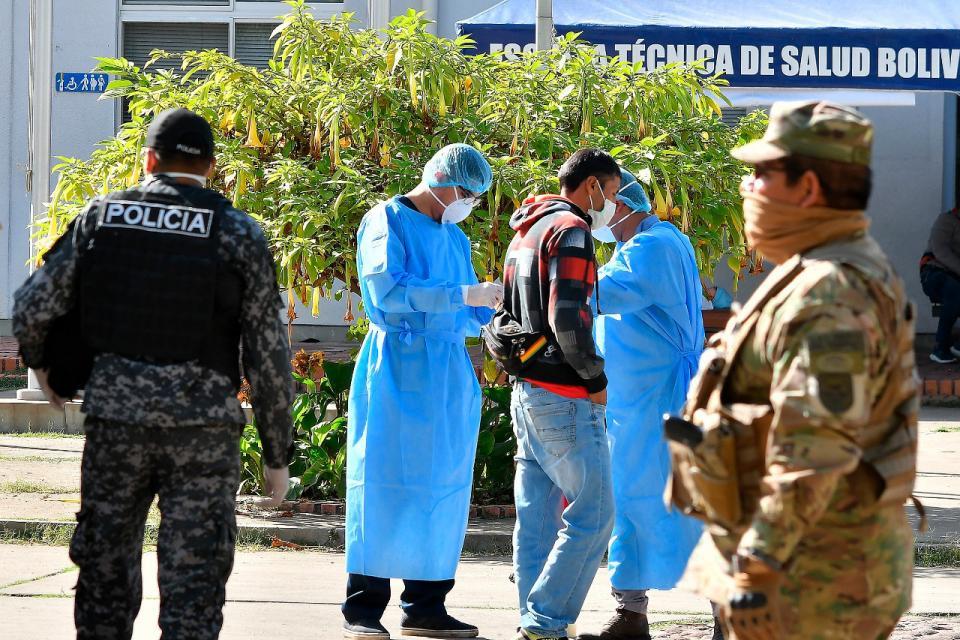 Grave situación en Bolivia: colapsaron los hospitales y hay muertes en las calles por  coronavirus