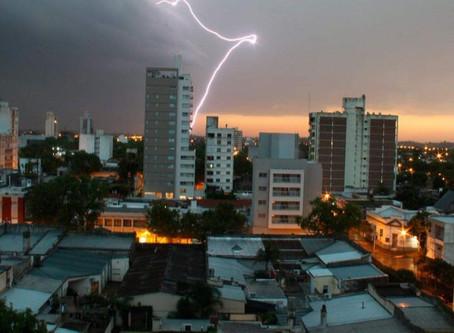 Rige la alerta por fuertes lluvias y caída de granizo en Buenos Aires