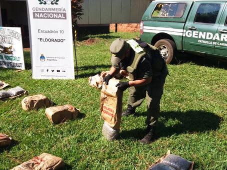 Descubren 216 kilos de marihuana escondidos en bolsas de carbón