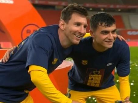 Imperdible: todos los jugadores quisieron la foto más preciada junto a Messi y la Copa del Rey