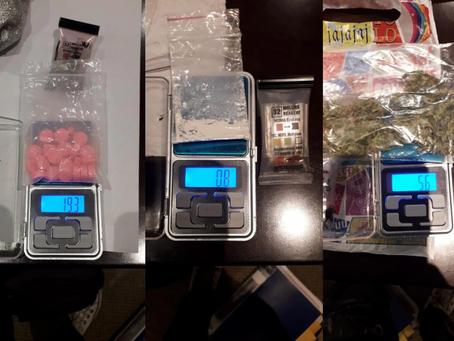 Éxtasis, marihuana y cocaína: clausuran fiesta clandestina en un hotel de Balvanera