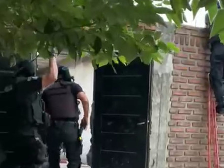 Berazategui: simularon que iban a comprar una vivienda, robaron y le pegaron un tiro al empleado