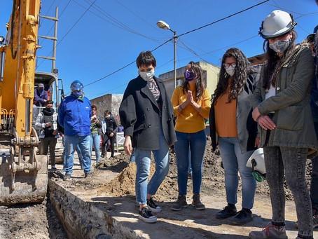 Villa Itatí: Mayra supervisó el avance de los trabajos de la red primaria cloacal