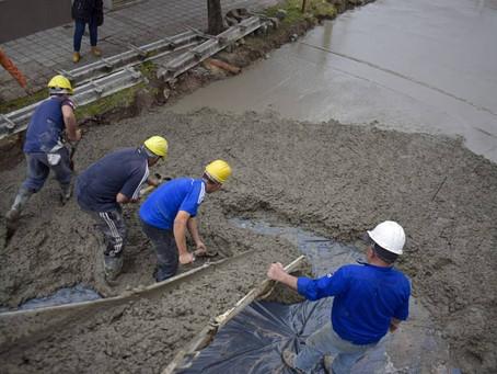 El Municipio continúa con las tareas de pavimentación en Quilmes Oeste