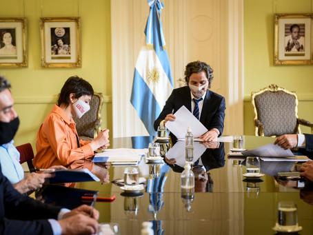 Mayra Mendoza y Cafiero firmaron el convenio para fortalecer la modernización digital del municipio