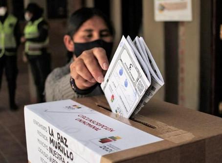 """Se vota en Bolivia y la presidenta de facto asegura que serán """"transparente, libres y sin presiones"""""""