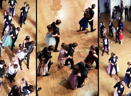 Video: Polémica por estudiantes que bailaron espalda con espalda en la fiesta de graduación