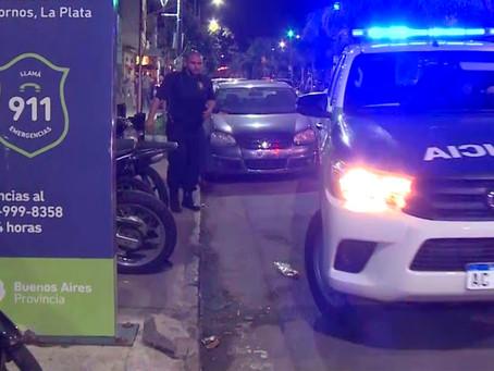 """Insólito: delincuente con tobillera intentó morder a policías al grito de """"tengo sida"""""""