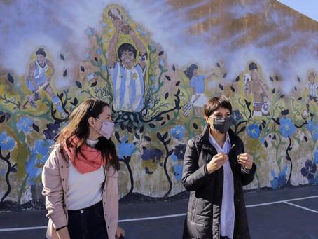 Mayra y Ceci Soler supervisaron el avance de las obras en la Plaza de la IAPI