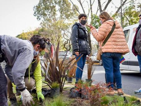 Mayra supervisó tareas de limpieza y puesta en valor del espacio público