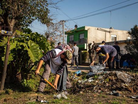 El municipio de Quilmes realizó un operativo de limpieza en el barrio 17 de agosto