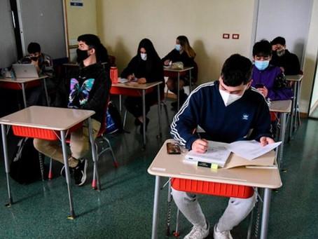 Segundo día de clases en Chile: dos colegios en cuarentena por contagios de coronavirus