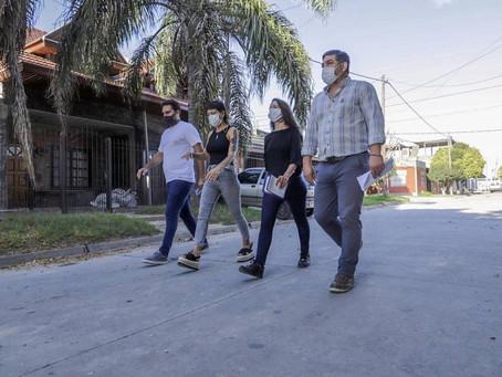 Mayra supervisó obras de pavimentación en Quilmes Este