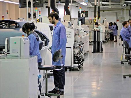 La industria creció 36% interanual en mayo, según el informe de la UIA