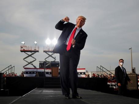"""""""Es de madera"""": Trump bailó al ritmo de 'YMCA' durante un acto en Florida"""