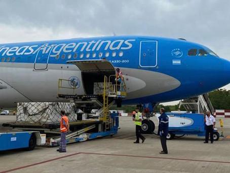 Llegó a Moscú el avión de Aerolíneas Argentinas que traerá 400 mil vacunas Sputnik V