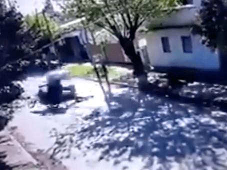 Moreno: motochorros arrastraban por la calle a una víctima e impactaron brutalmente con un auto