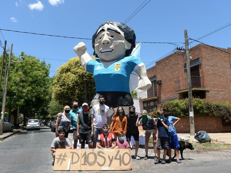 La Plata recibió Año Nuevo con la quema de 61 muñecos: Maradona fue el más homenajeado