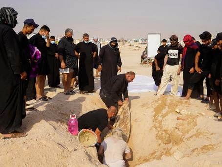 Iraquíes desentierran a sus muertos por coronavirus para sepultarlos en tumbas familiares