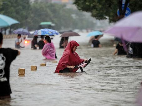 China: al menos 25 fallecidos y 200.000 evacuados por inundaciones y lluvias torrenciales