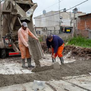 Avanza la pavimentación de 43 cuadras en el barrio Sayonara