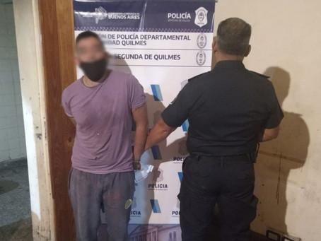 Bernal centro: detuvieron a delincuente que robó impresionante cantidad de indumentaria de un local