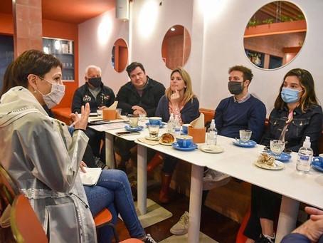 Mayra se reunió con comerciantes de Bernal Centro