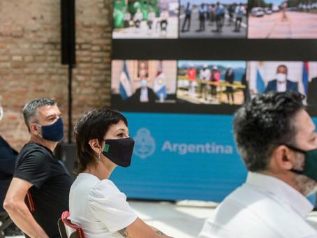 Mayra Mendoza junto a Alberto Fernández en la inauguración de las 30 obras