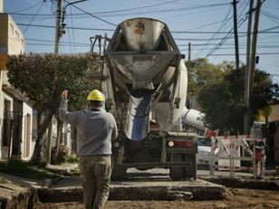 Se realizó un operativo de limpieza en Ezpeleta y se continuó con los trabajos de bacheo en Bernal