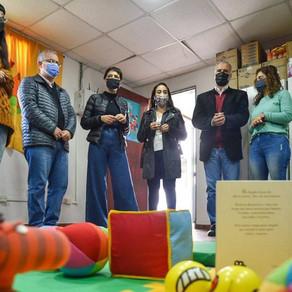 Mayra y Gabriel Lerner inauguraron una zona de crianza comunitaria en el CIC del Barrio IAPI