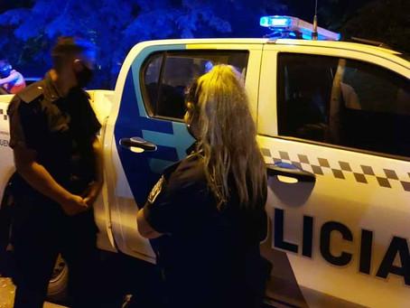 Delincuentes encapuchados asaltan a una familia de colombianos en una casaquinta de Pilar