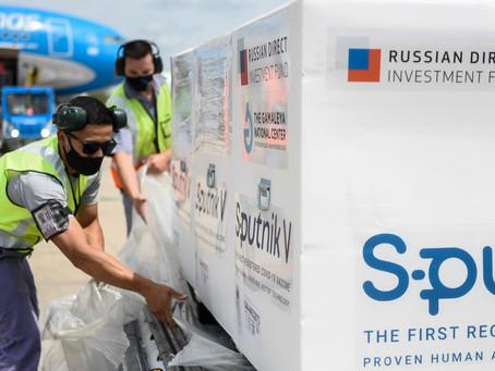 Esta tarde llega otro avión de Aerolíneas Argentinas con 300.000 dosis de la vacuna Sputnik V