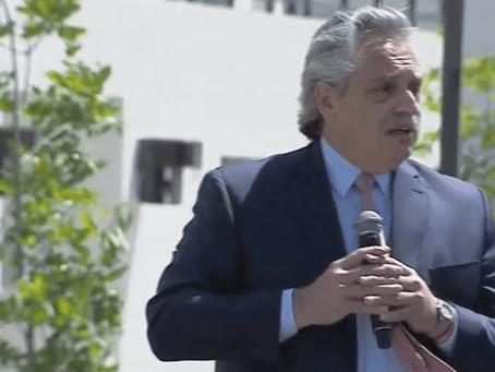 """Alberto entregó de viviendas del plan Procrear: """"Fueron 4 años de olvido permanente"""""""