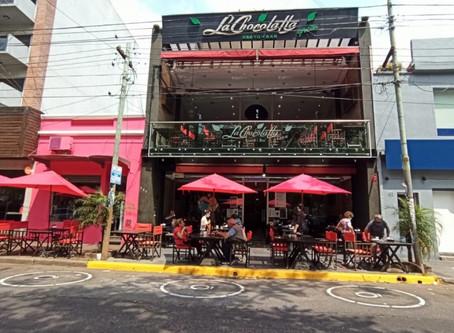 Reactivación: Mayra Mendoza impulsa la puesta en marcha de la gastronomía con corredores peatonales