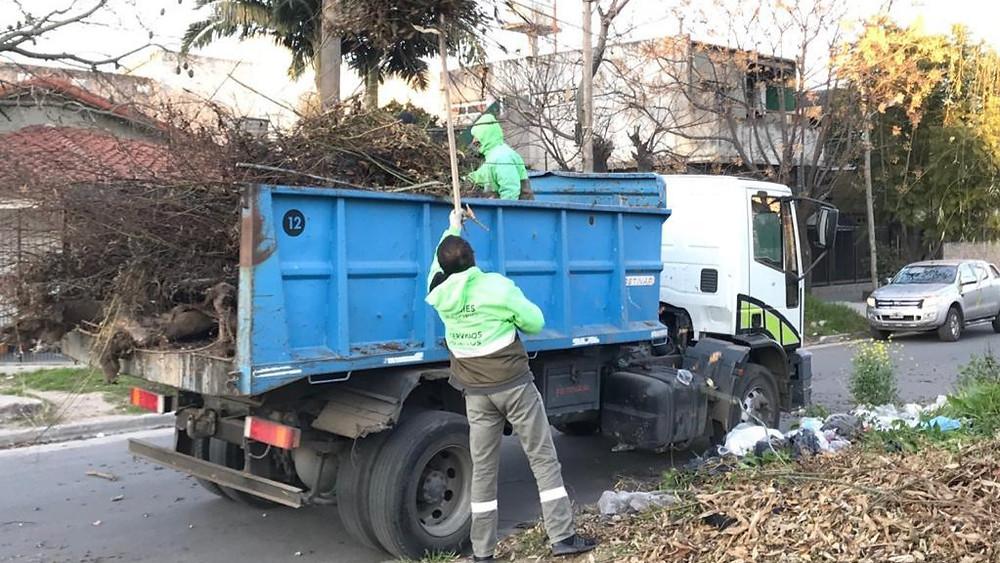 Continúan tareas de limpieza y mantenimiento en toda la ciudad de Quilmes